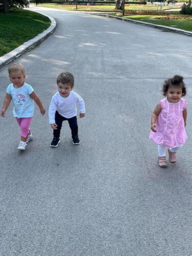 Приятелчетата ми Лили, Насето и Даяна!